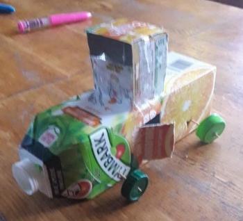 Zabawki ze śmieci (32)