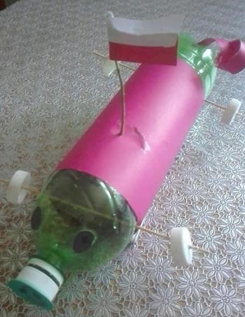 Zabawki ze śmieci (14)