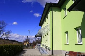 Budynek Szkoły w Gródku - wejście nr.1