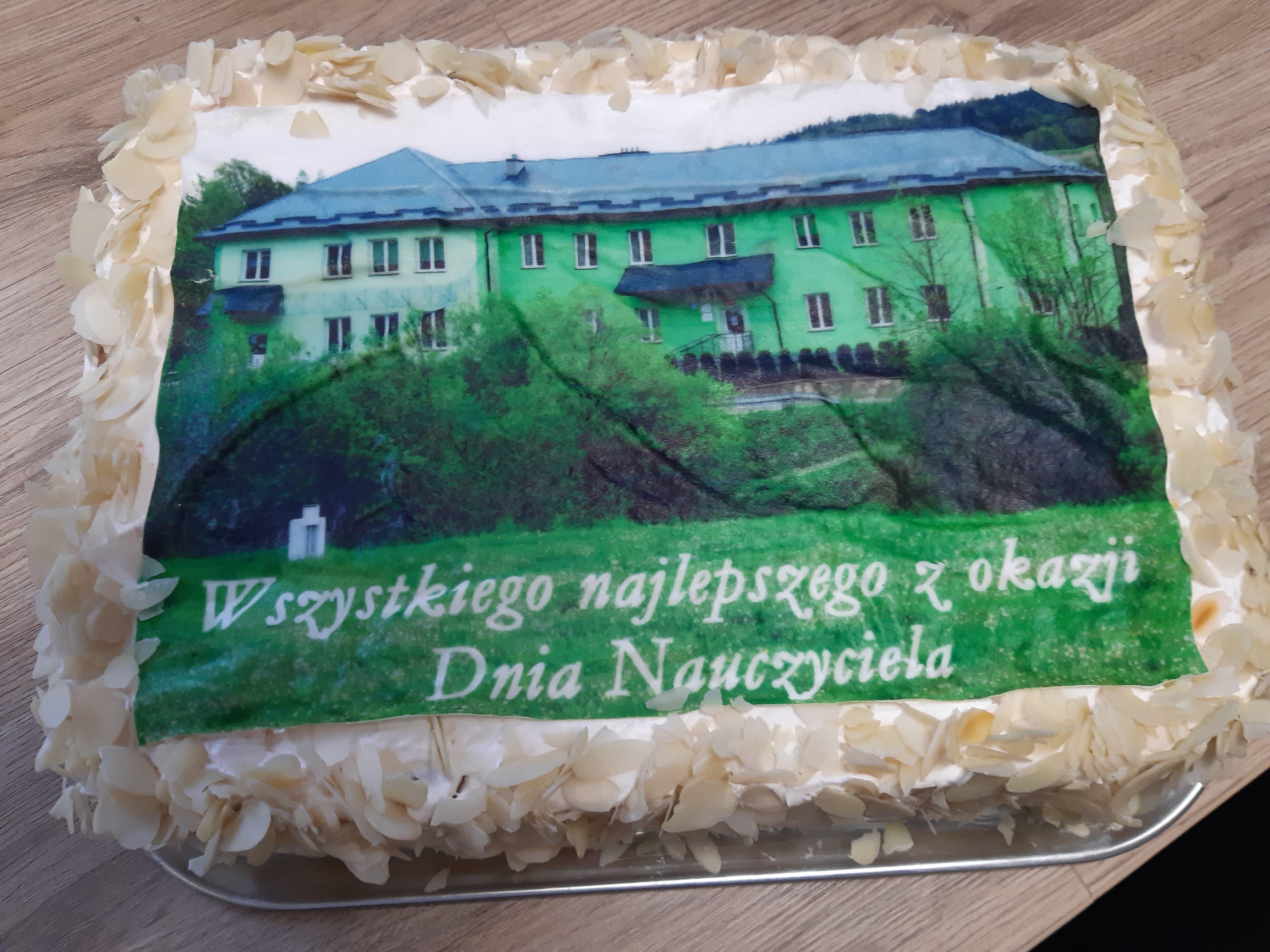 Tort tak piękny, że aż żal kroić:)