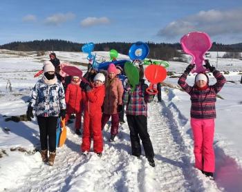Zimowe zabawy na śniegu (8)