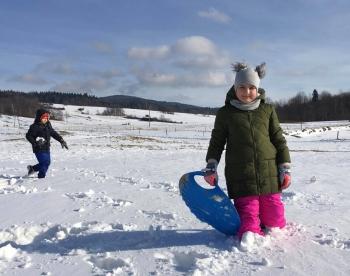 Zimowe zabawy na śniegu (10)
