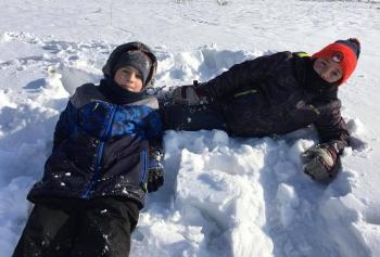 Zimowe zabawy na śniegu (12)