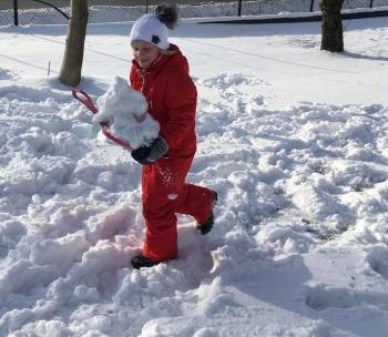 Zimowe zabawy na śniegu (20)
