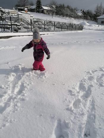 Zimowe zabawy na śniegu (32)