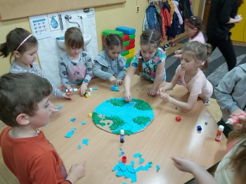 Dzień Ziemi w oddziale przedszkolnym (17)